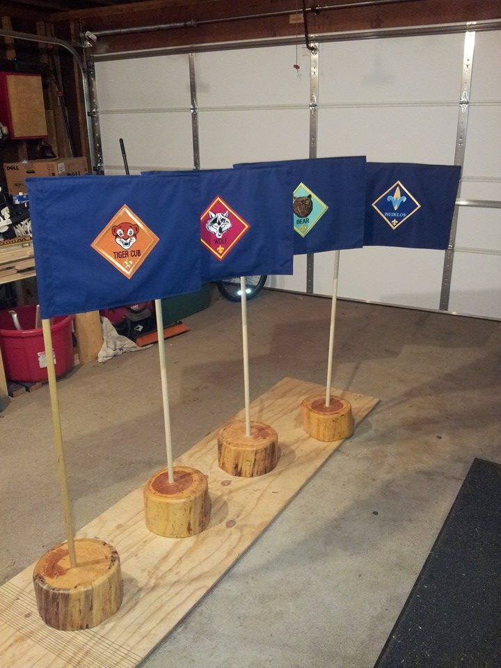 Den Flags - love the simple stands