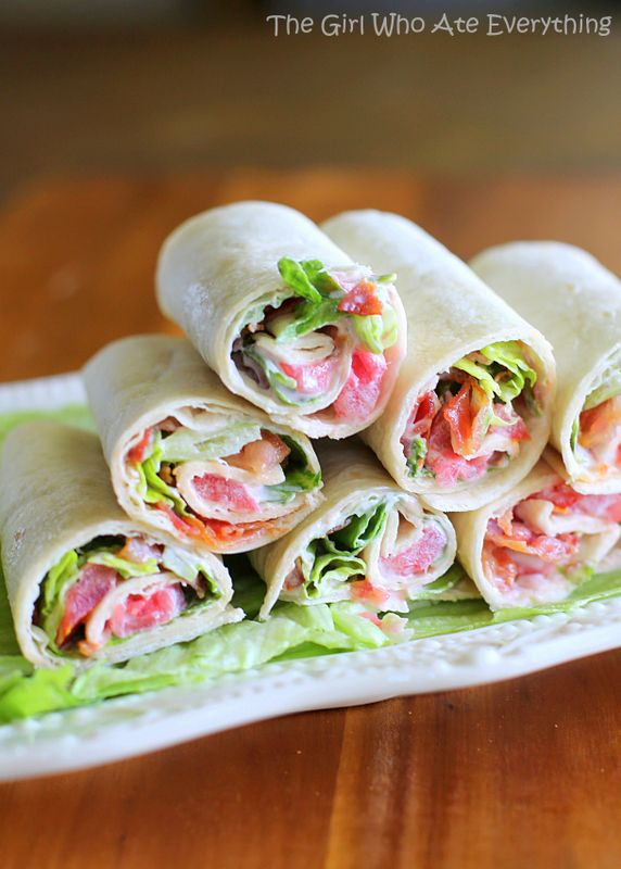 Mini BLT Wraps - easy and great for get togethers. {The Girl Who Ate Everything} #recipe #appetizer