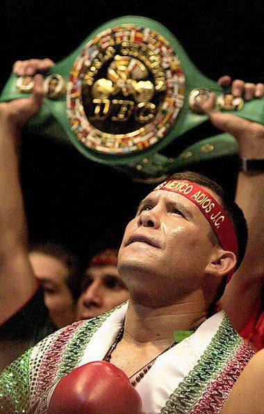 Julio Cesar Chavez: Mexican legend takes his place in International Boxing Hall of Fame | syracuse.com