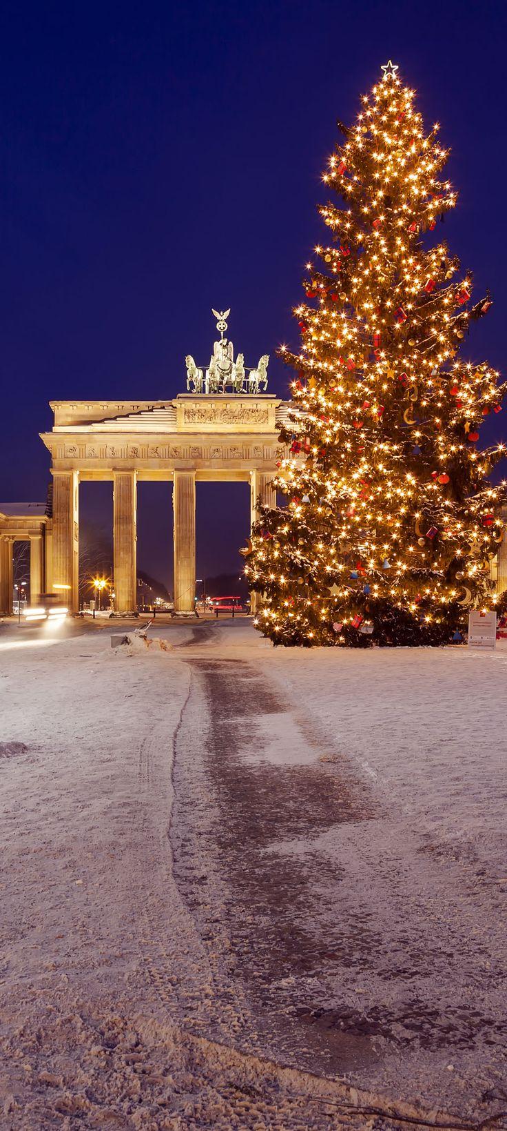 Puerta de Brandenburgo en invierno, Berlín (Alemania)  