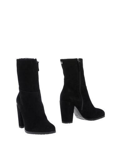 EMPORIO ARMANI . #emporioarmani #shoes #stiefelette