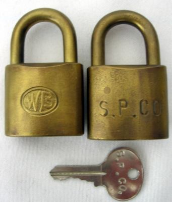 Set 2 Southern Pacific Brass Wb Locks W Keys Interchangable Excellent Padlock Antique Price Guide Details Page Locks Brass Lock And Key