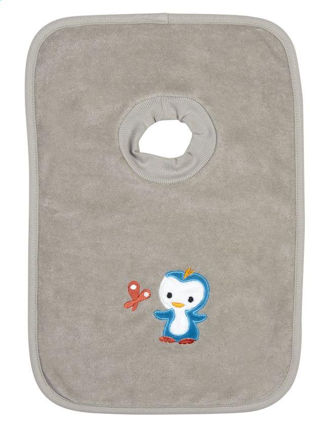 Niyu beschermt je baby's kledij tijdens het eten dankzij dit grijze slabbetje met pull-overkraag en dubbele voering van Dreambee.