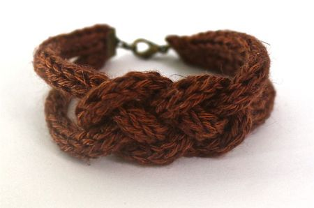 Love this knitted bracelet; there's a tute on her site on how to make them as well...