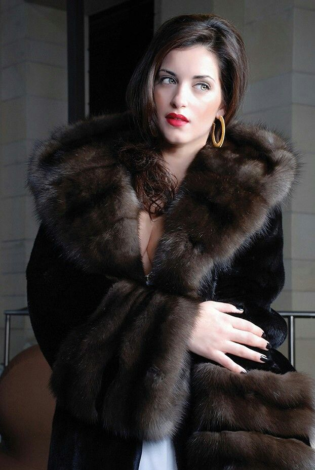 1000  images about Elegant women in furs on Pinterest | Coats