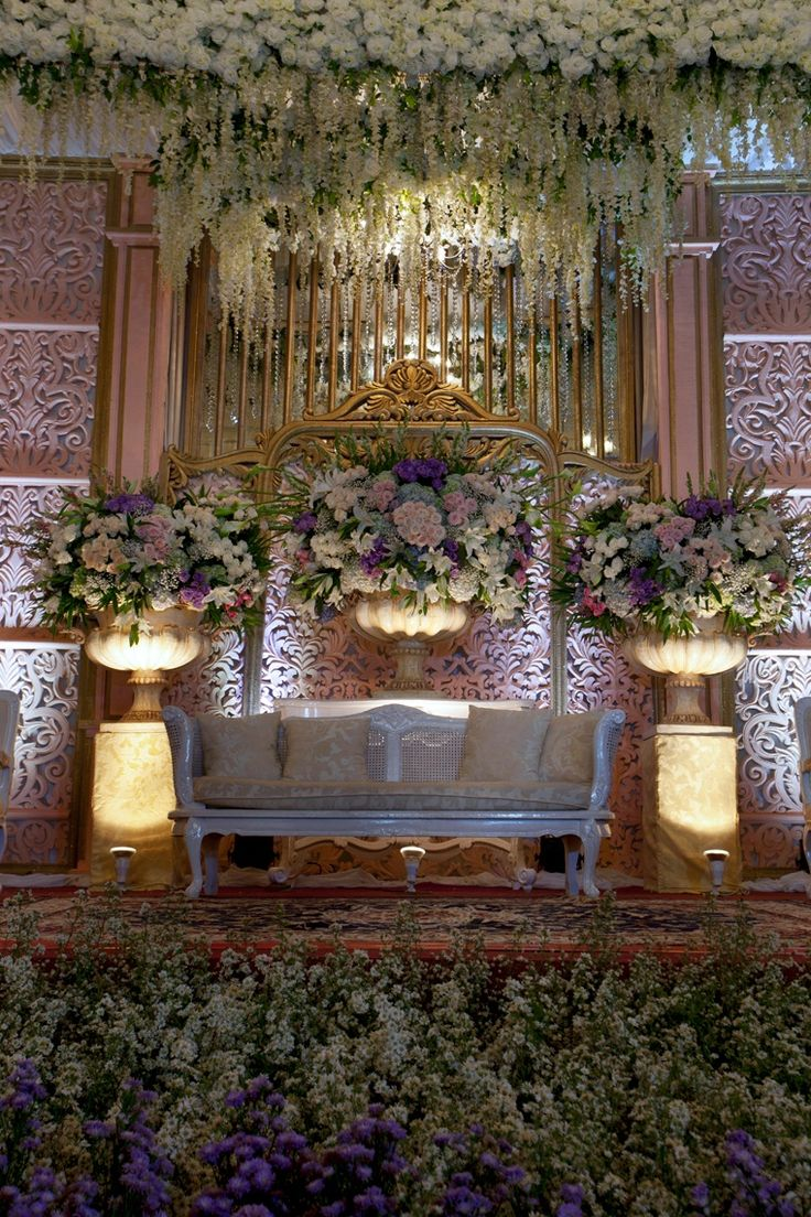 Mawarprada dekorasi pernikahan pelaminan wedding decoration mawarprada dekorasi pernikahan pelaminan wedding decoration romantic ele jakarta picture junglespirit Gallery