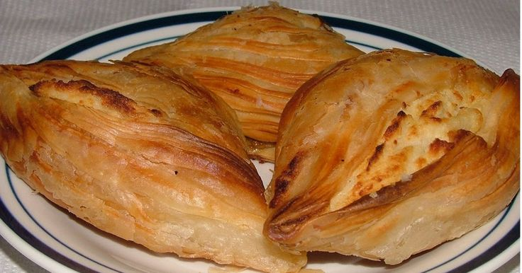 Mill-KCINA: Savoury Cheese Cakes (Pastizzi)