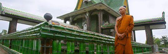 świątynia zbudowana z miliona butelek!