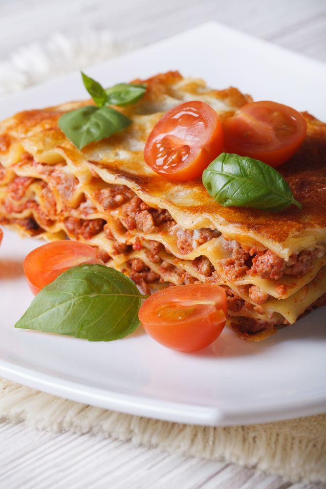 La lasagna es un platillo típico de Italia, con esta receta sentirás que estás en uno de los mejores restaurantes de Italia. Queda deliciosa te lo prometo!