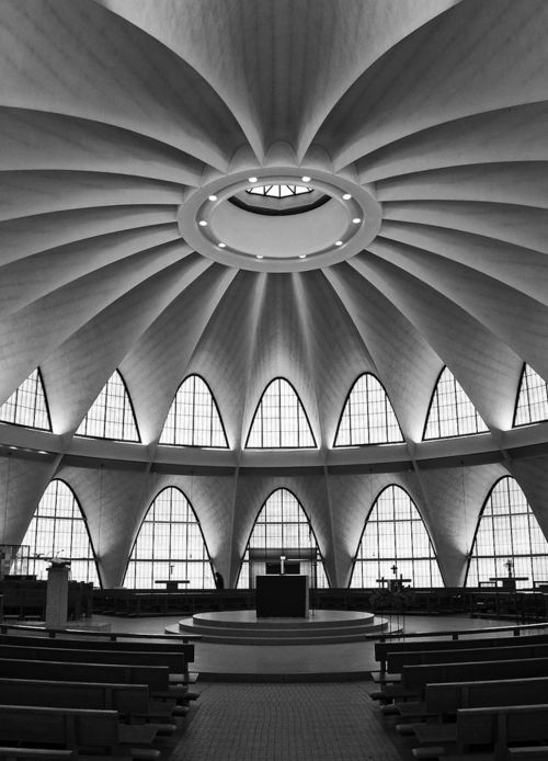 "HOK: Hellmuth, Obata and Kassabaum + Pier Luigi Nervi (as consultant) ""The Priory Chapel"" St. Louis, Missouri (Photo by Raimist)"