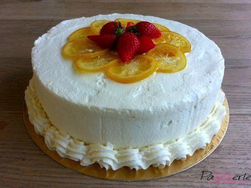 Een heerlijke taart van Linda Lomelino: de citroen droomtaart. Heerlijk luchtig en met een heerlijke frisse citroensmaak.