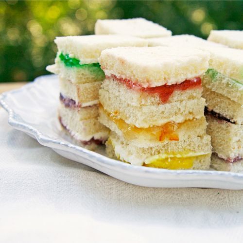 Rainbow Sandwiches - Need to look for some other flavor for green aside from mint...that doesn't sound too yummy.