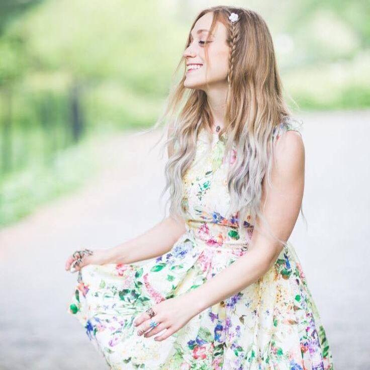 Day 14 of 365: Danielle Bouchard. Photo Credit: Facebook/Danielle Bouchard #tat #grindingartist #celebrateartistry #365artistsayear #artistcommunity #singer