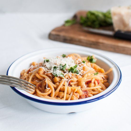 A true Mediterranean dish: Pasta e Ceci (Pasta with Chickpeas) with Sun-Dried Tomatoes and Parmesan.