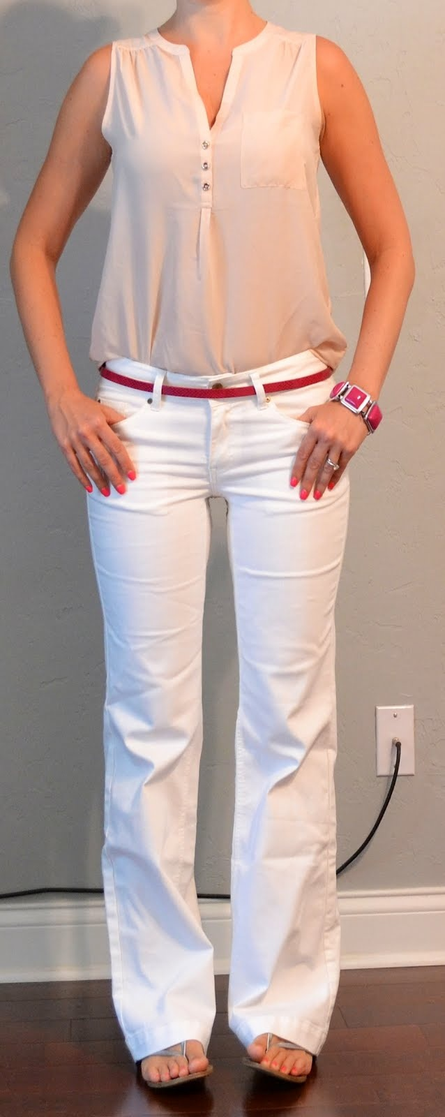 outfit posts: nude sleeveless blouse, white jeans, pink belt | Outfit Posts Dynamic