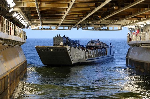 Landing Craft Utility (LCU) 1654 departs USS Kearsarge (LHD 3).