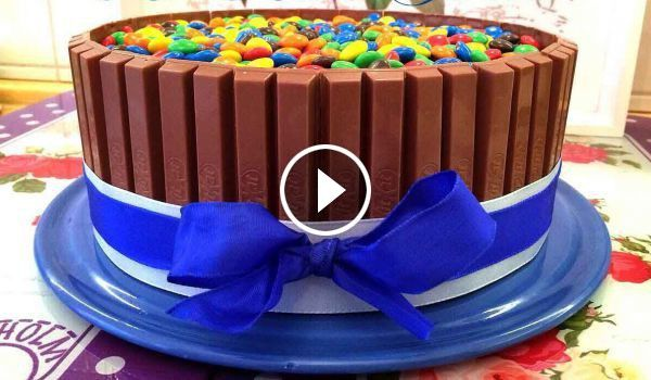 kitkat torte mit smarties m ms ganz leicht selber machen. Black Bedroom Furniture Sets. Home Design Ideas