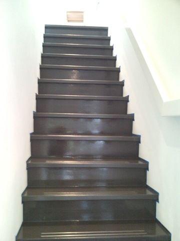 25 beste idee n over trappen schilderen op pinterest verf trap geschilderde trap en - Geschilderde houten trap ...