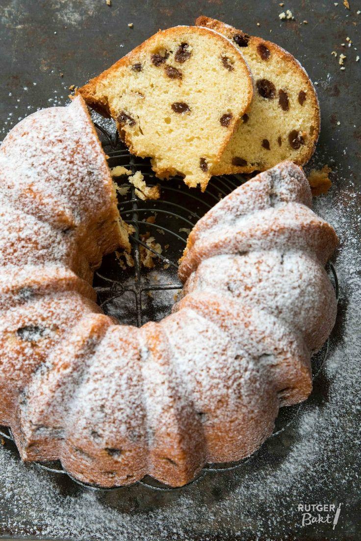 Deze tulband met boerenjongens is erg lekker en makkelijk om te maken. De boerenjongens geven een lekkere smaak aan dit cake recept.
