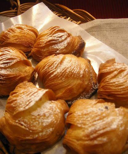 "Caf? & Meal MUJI ナポリの伝統菓子""スフォリアテッラ"" | MUJI Life ..."