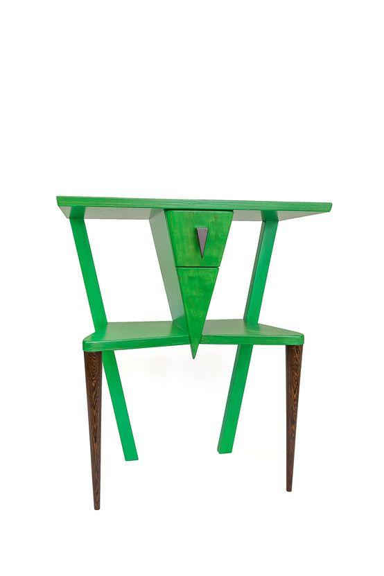 Stolik, szafka, półka, polski design, dizajn. Zobacz więcej na: https://www.homify.pl/katalogi-inspiracji/20822/dzien-swietego-patryka-zielen-we-wnetrzach