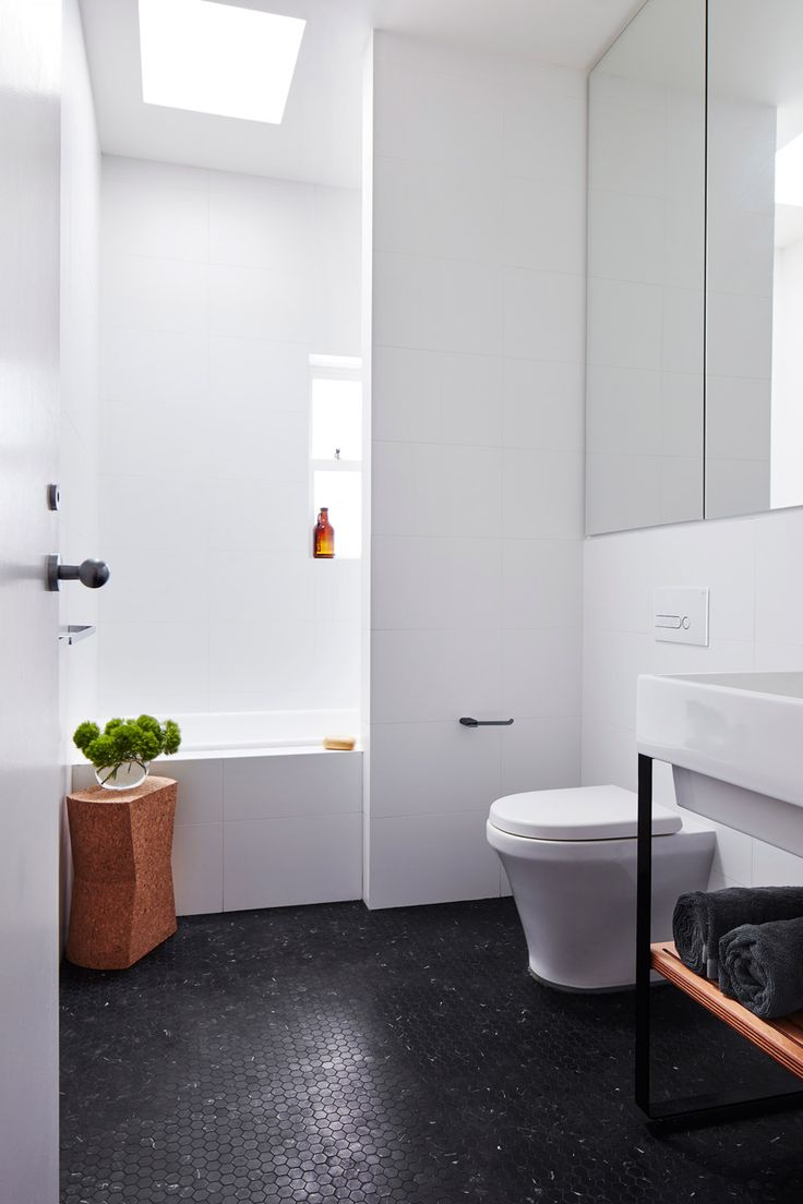 Bathroom — (Maroubra House by THOSE Architects)