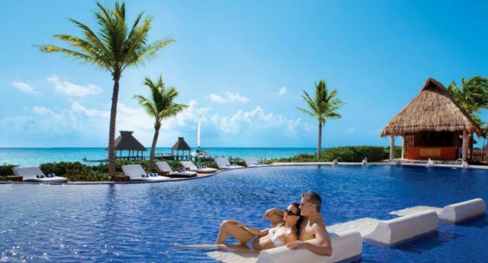 Queiro ir a Riviera Maya porque me gusta nadar y centros turísticos