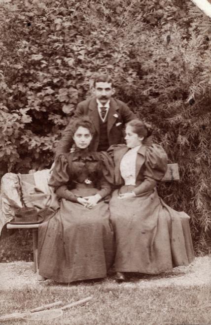 Család (1900) - Forrás: fortepan.hu