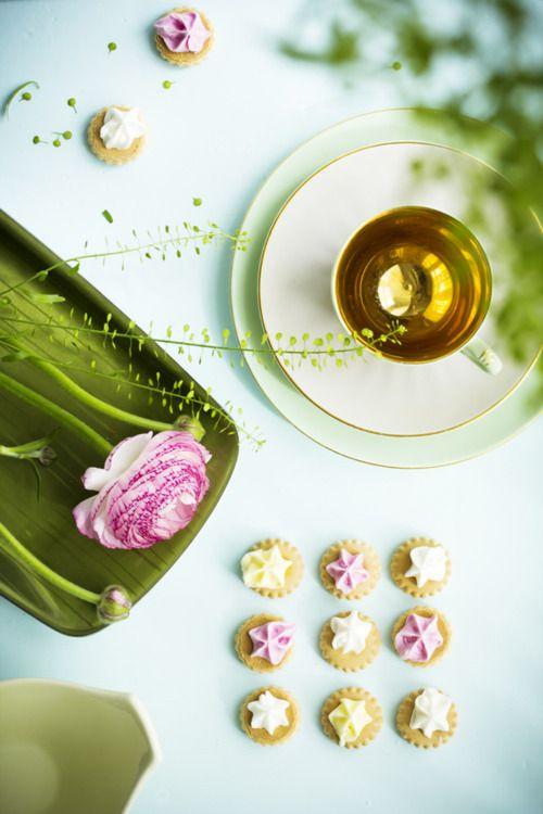 ZsaZsa Bellagio: Stars Cookies, Fun Recipes, Teas Time, Teas Cups, Afternoon Teas, Food Photography, Pink Treats, Shades Of Green, Design Blog