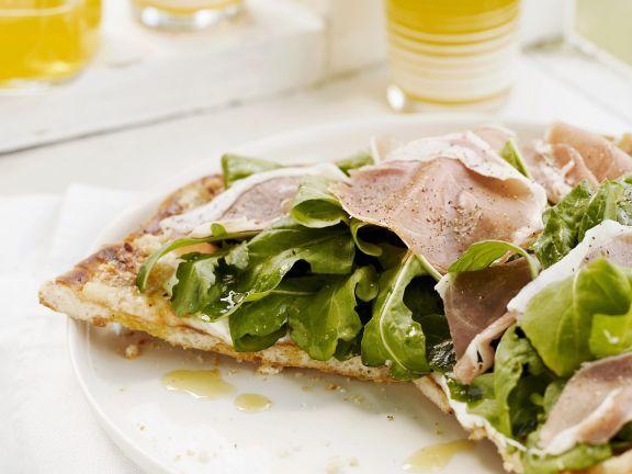 Schinkenpizza mit Salat ist ein Rezept mit frischen Zutaten aus der Kategorie Schwein. Probieren Sie dieses und weitere Rezepte von EAT SMARTER!