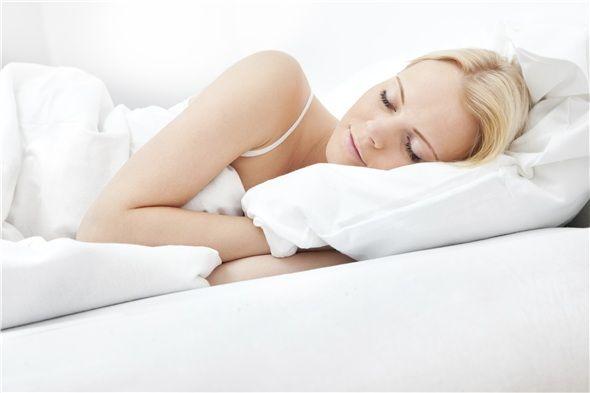 Uyku düzeninize dikkat edin. Mutlaka sekiz saat uyumaya çalışın.