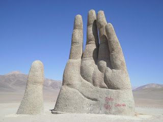 La mano del desierto.