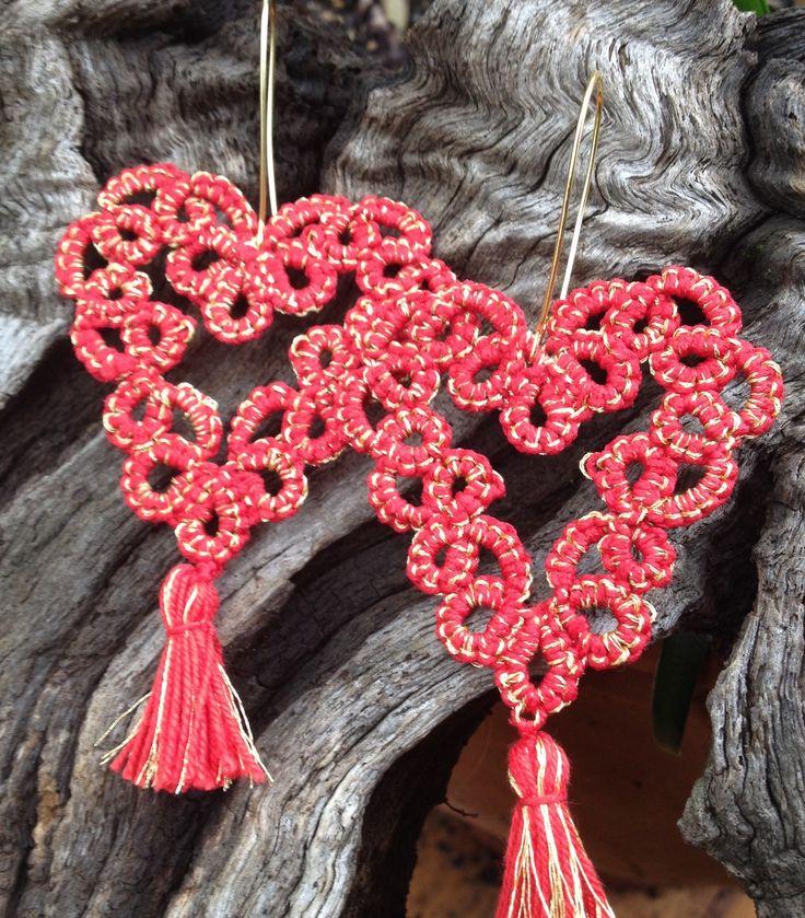 Boucles d oreilles dentelles frivolité coton rouge et or saint valentin : Boucles d'oreille par syleva