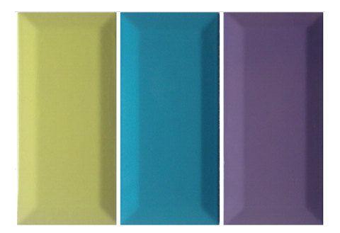 Inspiradas no metrô de Londres ,as lajotas de parede viraram hit. Na versão Metro Tile, a cor (ao todo são 15 tons) toma conta dos exemplares de 7,5 x 15 cm e com borda rebaixada, indicados para cozinhas e banheiros. Ecológica, a massa da porcelana recicla resíduos de louças sanitárias. Preço sugerido: a partir deR$ 139 o m2. Da Mazza Cerâmicas.