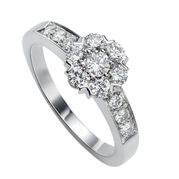 フルーレット リング、ラージモデル - Van Cleef & Arpels(ヴァン クリーフ&アーペル)。ホワイトゴールドのエンゲージリング・婚約指輪一覧❤