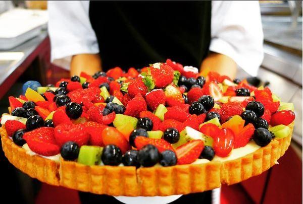 Fresh fruit and custard tart P.c.@bo_ip_sorensen