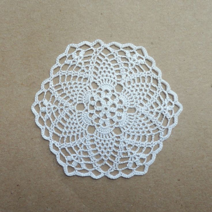 Miniature crochet hexagonal doily 1:12 dollhouse by MiniGio