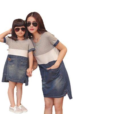 2015 matku dcérou zodpovedajúce šaty letné štýl mama a ja oblečenie ženy šedobiela blue denim patchwork neformálne voľné šaty