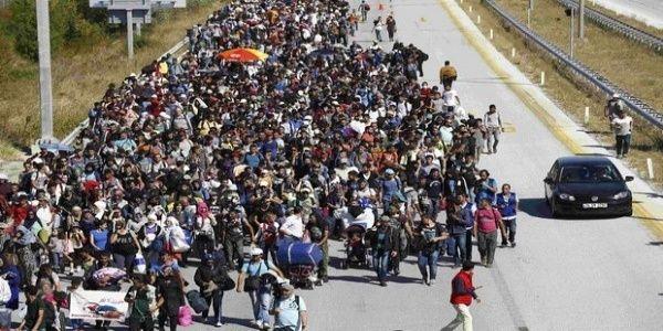 Σε κατάσταση πολιορκίας η ΕΕ: Εκατομμύρια μετανάστες είναι στο δρόμο προς την Ευρώπη!