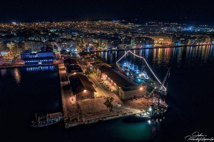 Υπέροχες ποιητικές νυχτερινές εικόνες μιας Θεσσαλονίκης όπως δεν την έχεις ξαναδεί.