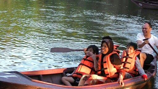 Row...row...ur boat....