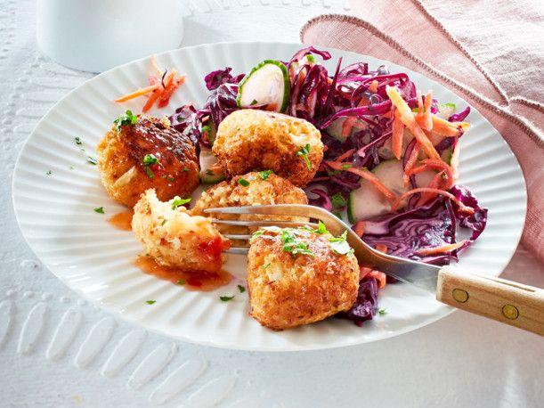 Unser beliebtes Rezept für Blumenkohl-Köfte mit Rotkohlsalat und mehr als 55.000 weitere kostenlose Rezepte auf LECKER.de.