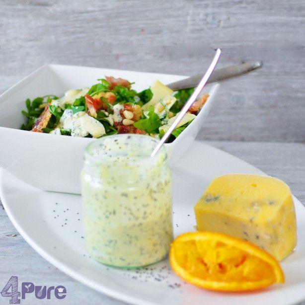 Een dressing van citrus en maanzaad met een heerlijke salade