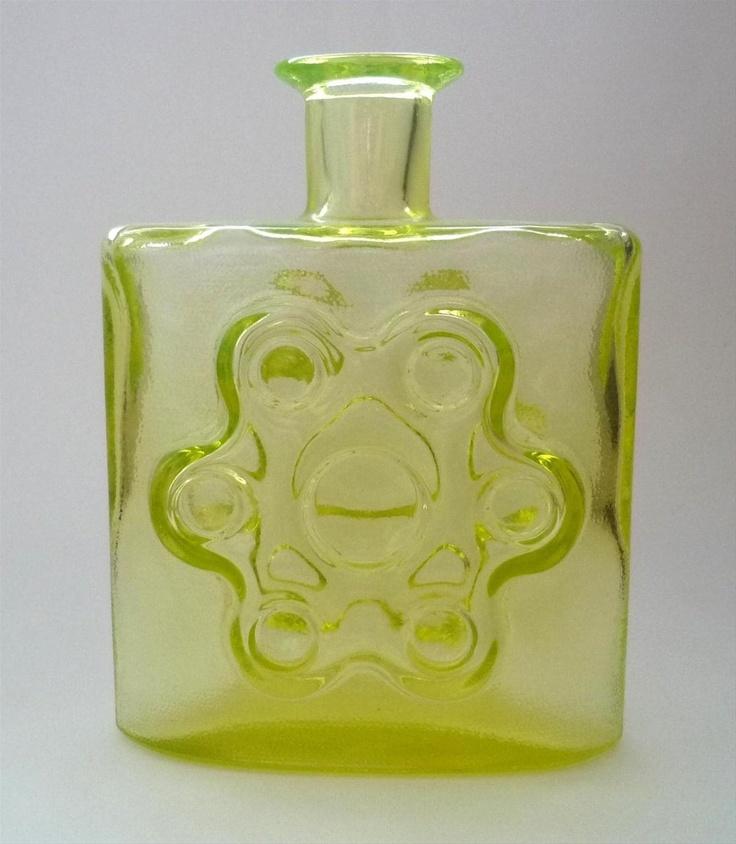 Riihimaen Lasi. Design Erkkitapio Siiroinen Decorative Bottle/Vase. kr650.00, via Etsy.