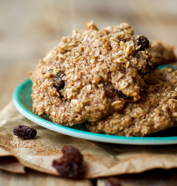 Crispy brown edges. Sweet raisin bursts. This is the cinnamon-laced, oat-based, cookie you've been looking for! Vegan, gluten-free, and oil-free.