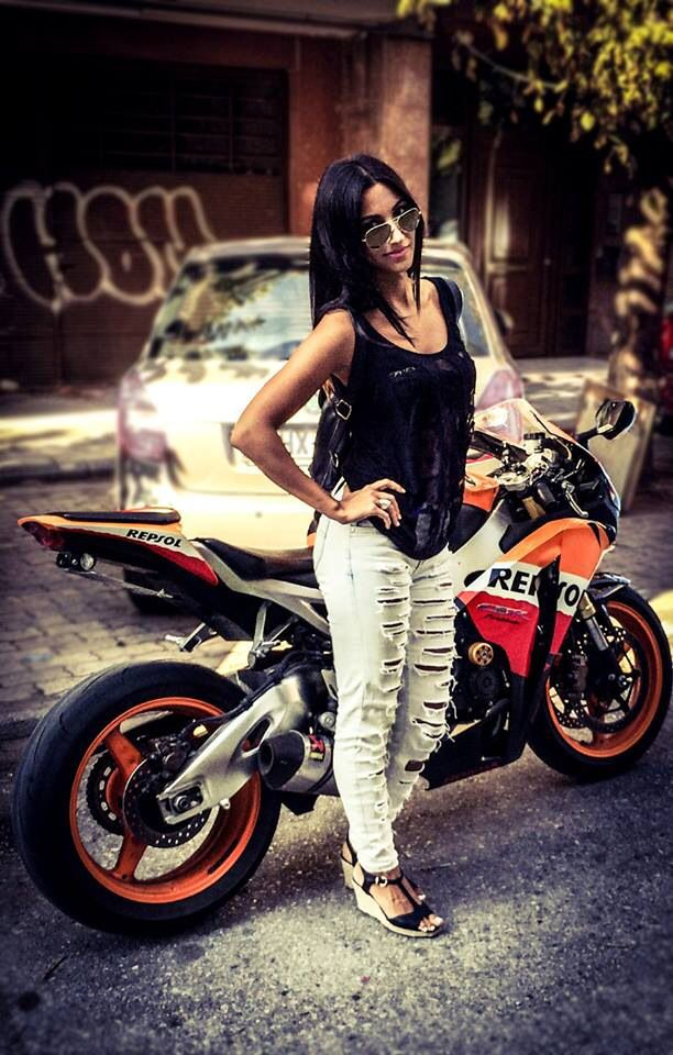 Rockin' a Honda CBR1000