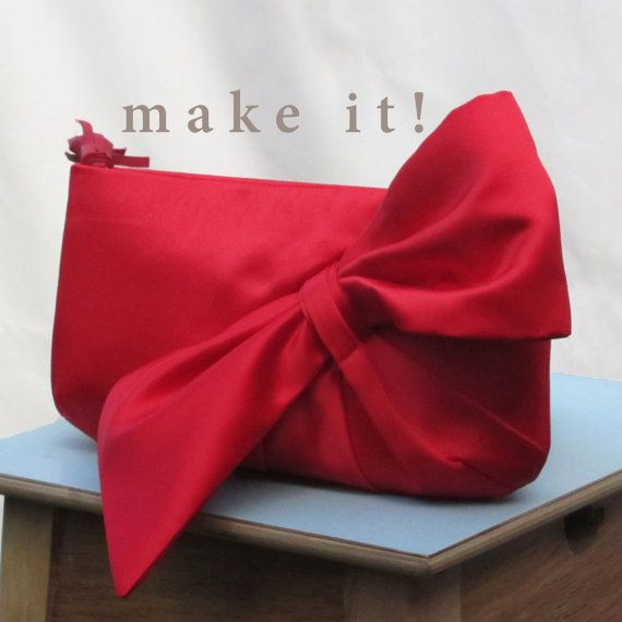 Digital Download Sewing Pattern Clutch with Bow por Constructivism