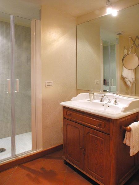 YELLOW Apartment - Bathroom