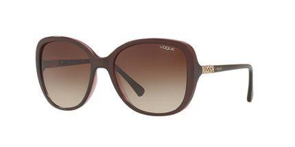 9f03d432f Óculos de Sol Vogue Retangular VO5154SB Feminino Bordô   Glasses ...