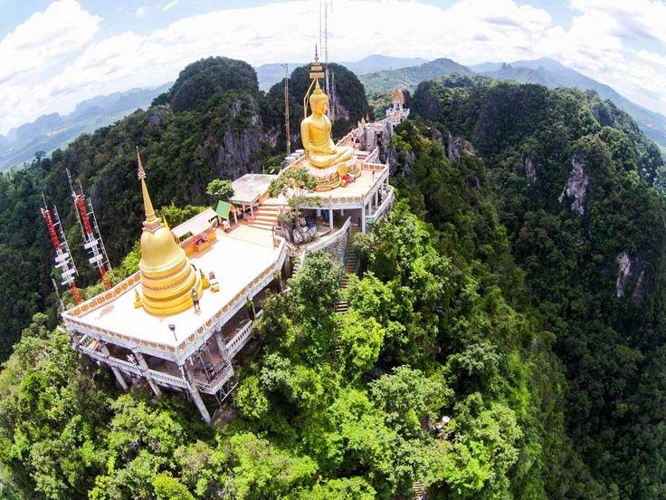 Krabi: una ruta por el Templo de la Cueva del Tigre y los secretos de sus selvas.